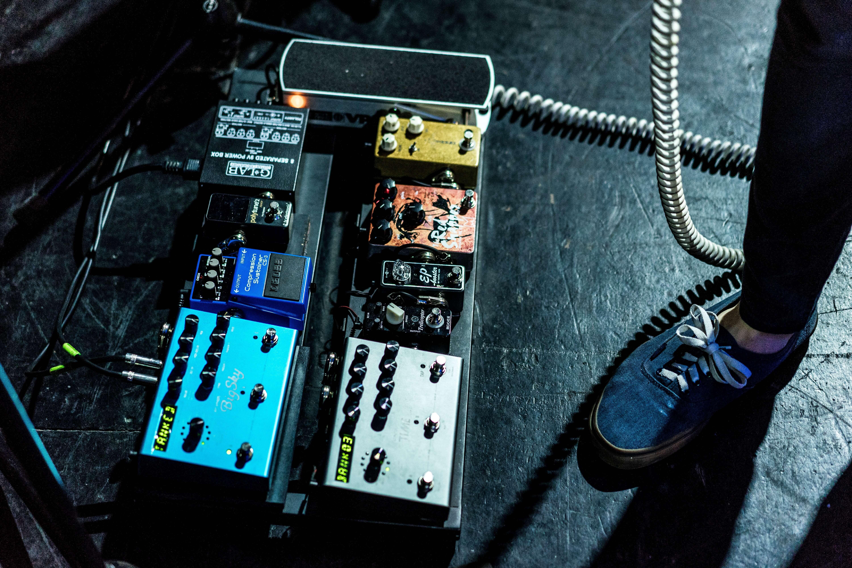 エレキギターのコンパクト・エフェクターとマルチ・エフェクターの接続順序